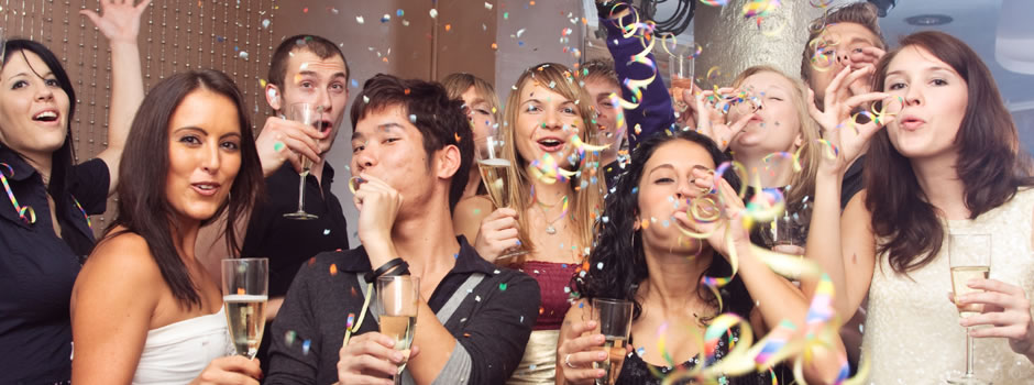 Brilliant Pictures of People Partying at a Party 940 x 350 · 86 kB · jpeg