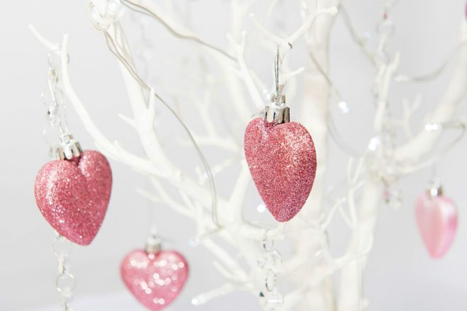 White wedding tree with pink shimmering love hearts